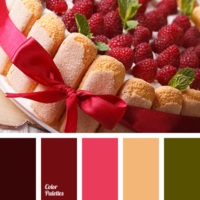 color of strawberries